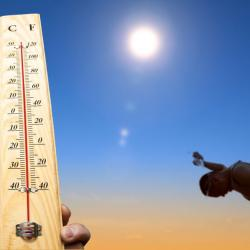image_thermometer showing high heat